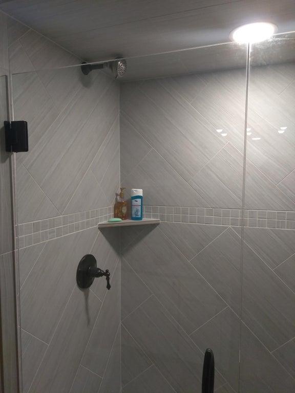 15-bad-bathrooms-1566403555829.jpg
