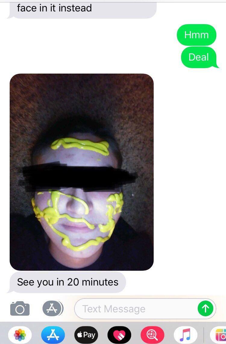 This Wrong Number Text Troll Screenshots His Hilarious