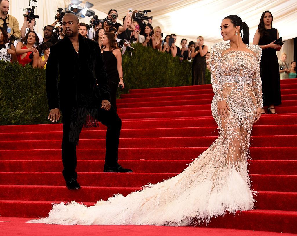 kim-kardashian-kanye-west-wedding-1541202291037-1541202293041.jpg