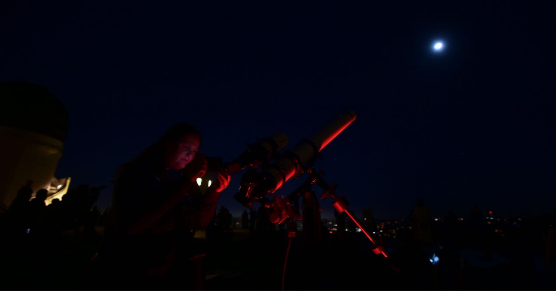lunar-eclipse-july-2018-1532652505237-1532652507167.jpg