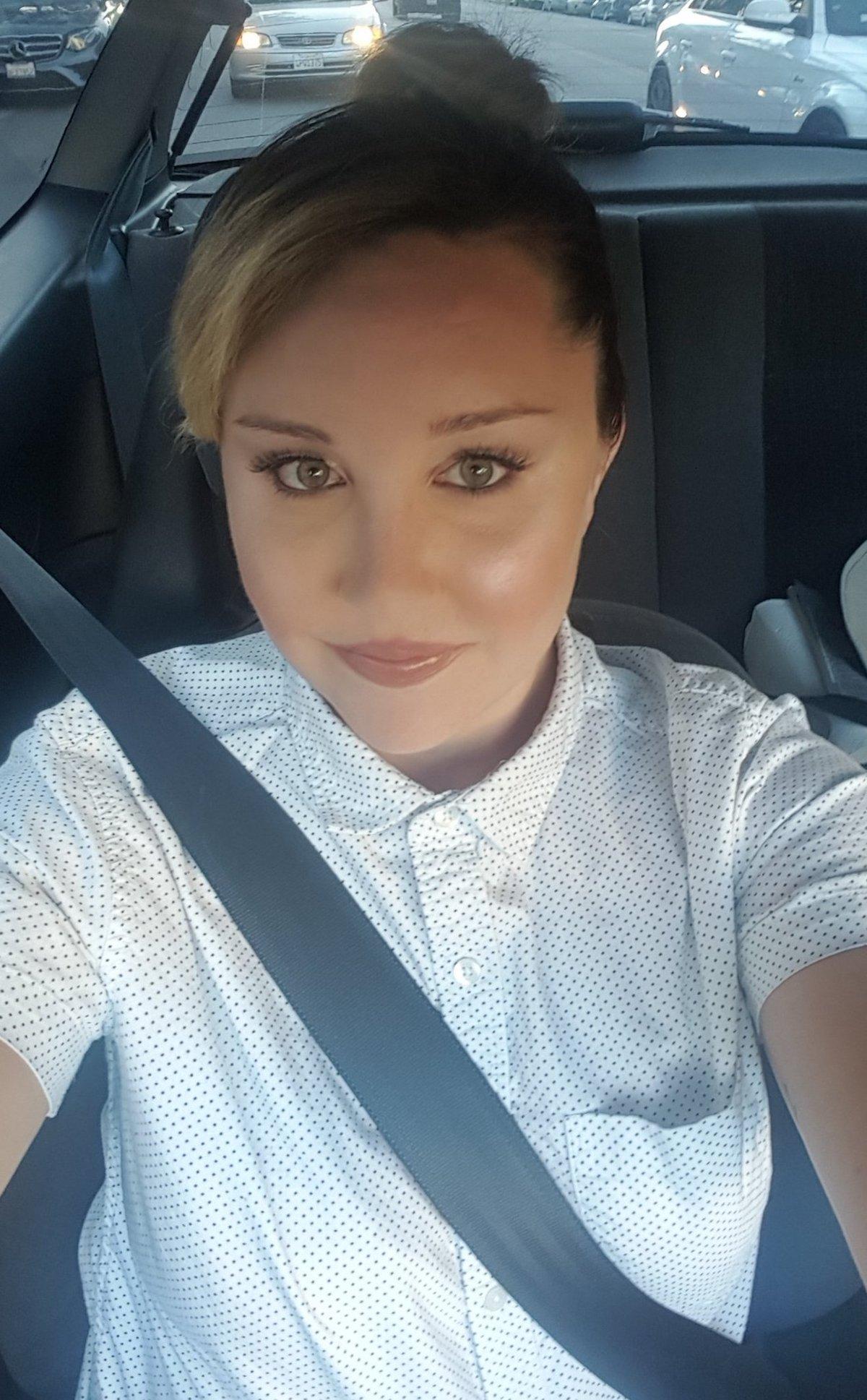 amanda-bynes-selfie-twitter-1536679749256-1536679751478.jpg