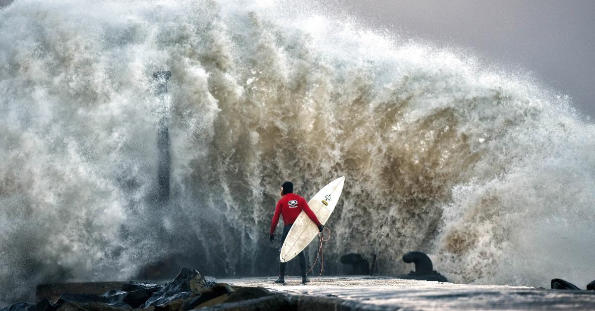 waves-1534950954117-1534950956690.jpg