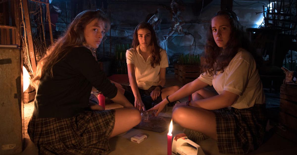 scariest-horror-movies-netflix-veronica-1538672805262-1538672807142.jpg