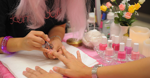 Breast Cancer Awareness Nails Are the Latest Tren