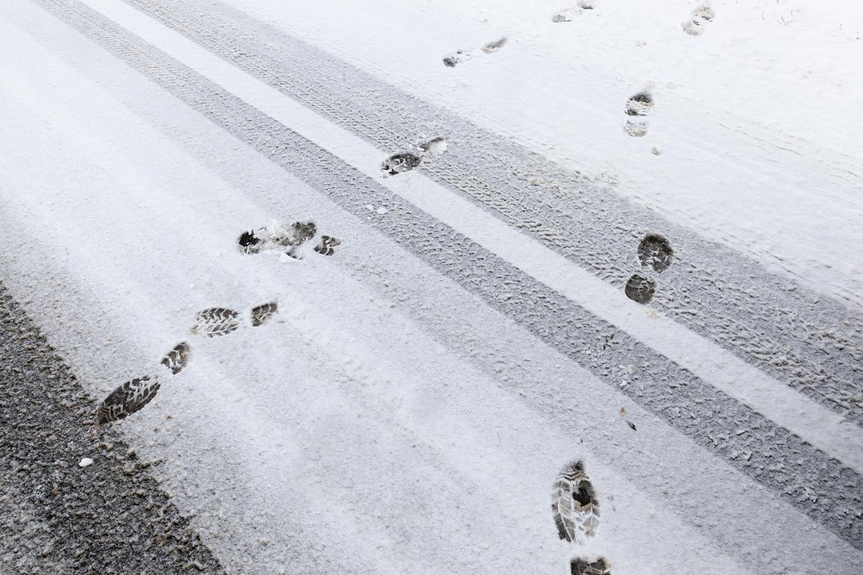 footprints-1539016104470-1539016106615.jpg