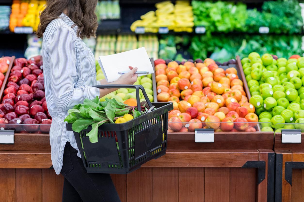 grocery-shopper-1547149505315.jpg