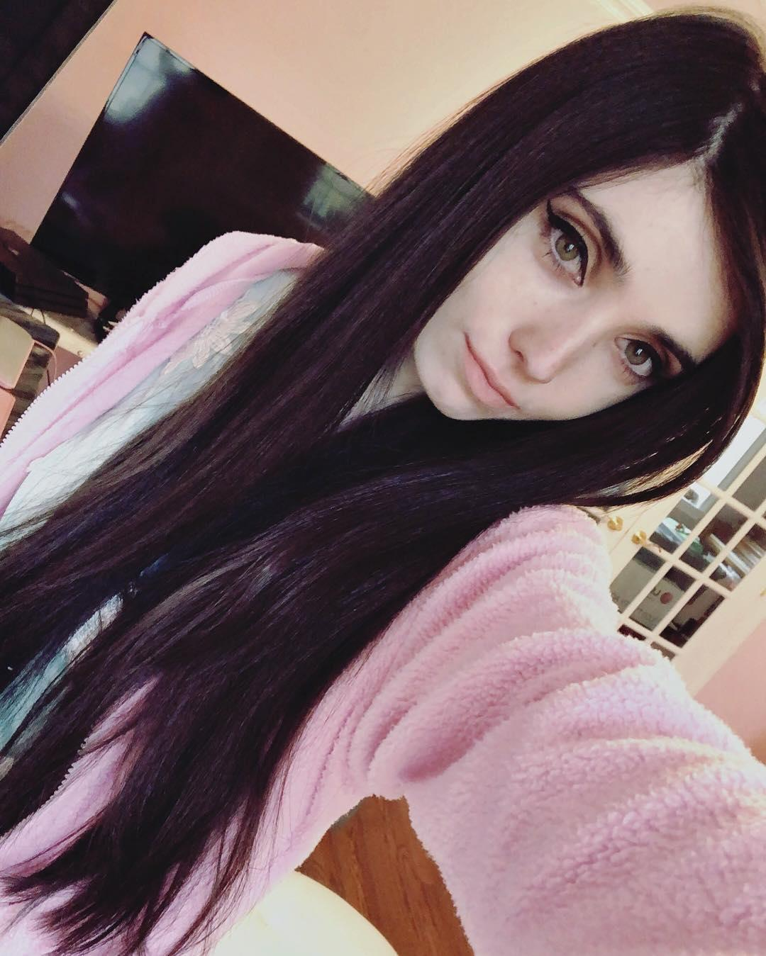eugenia-cooney-recovery-return-to-youtube-1563805856163.jpg