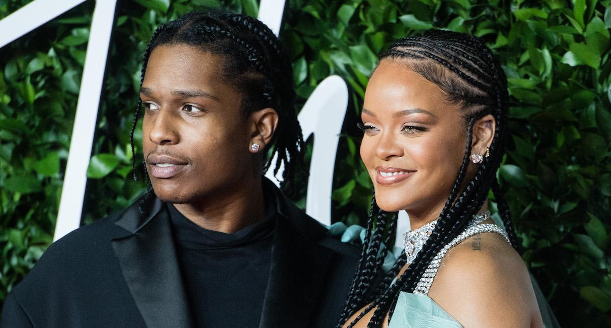 Rihanna dating now best dating keywords