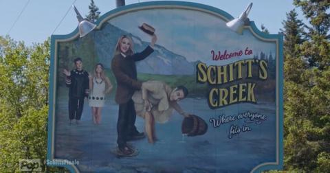 schitts-creek-happy-ending-1586358755336.jpg