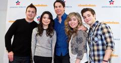 The cast of 'iCarly' pose for a photo