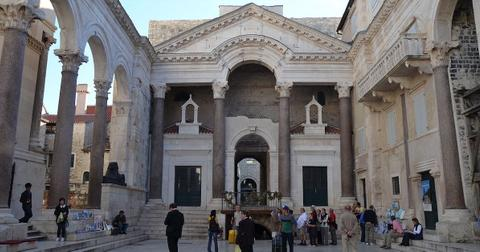 diocletians-palace-1554741418593.jpg
