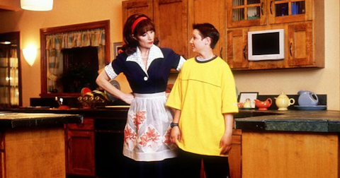 smart-house-cast-now-1574293332019.png