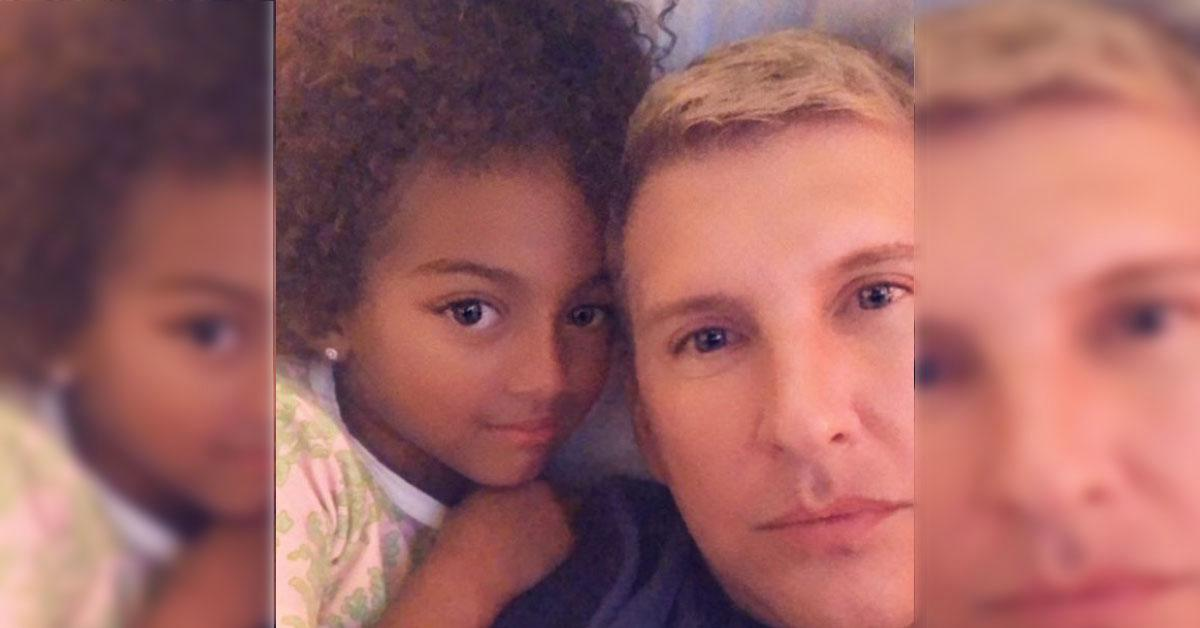 chloe chrisley custody
