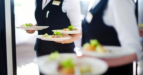 3-waiter-1565108624413.jpg