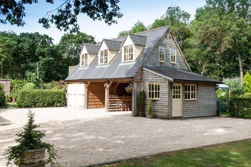 uk-smallest-castle-for-sale-mollys-lodge-6-1491413984303.jpg