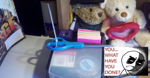 20-bad-roommates-1558710596662.jpg