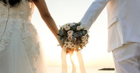 bouquet-at-the-beach-picture-id929904308-1552593320633.jpg