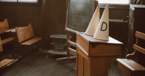 dunce-caps-in-an-old-school-classroom-picture-id877164948-1552400603303.jpg