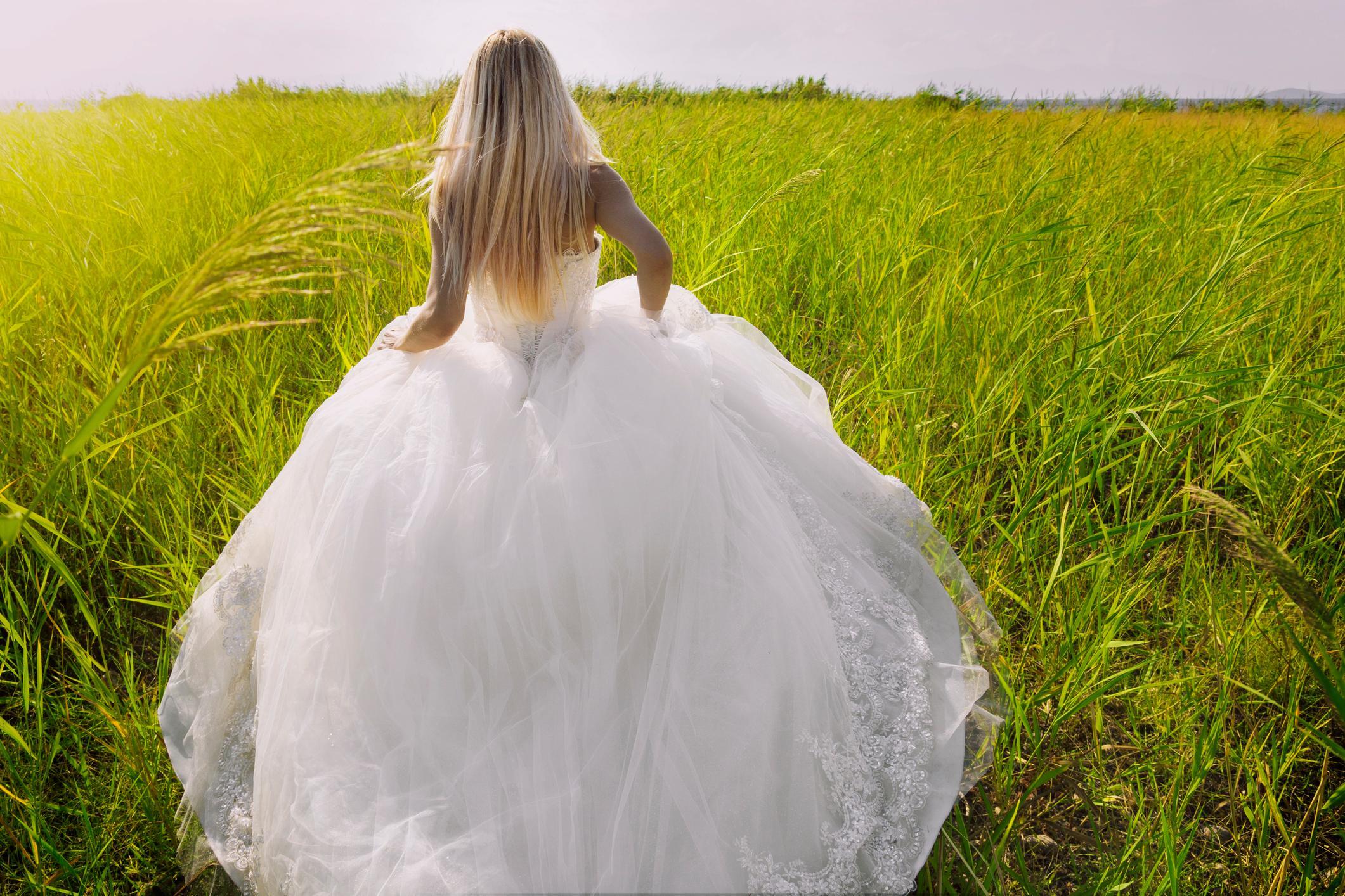 1-runaway-brides-1565806303592.jpg