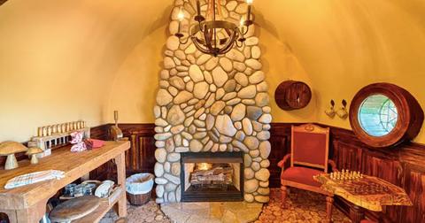 hobbit-airbnb2-1557418746536.jpg
