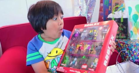 ryan-toy-review-youtuber-1576869146619.jpg