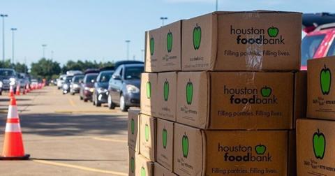featured-thanksgiving-food-drive-1606234414896.jpg