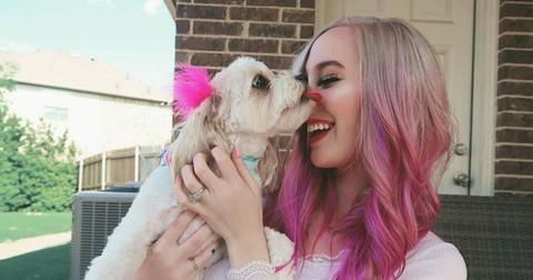 Meganplays Has Two Absolutely Adorable Dogs Peach And Luna