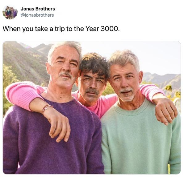 facaapp-age-challenge-jonas-brothers-1563371913557.jpg