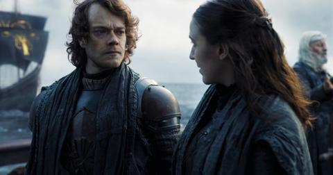 yara-greyjoy-theon-season-8-801-2-1557771225866.jpg