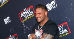 Ronnie Ortiz-Magro poses for a photo