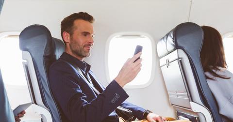women-stop-creepy-man-on-airplane-2-1553537732630.jpg