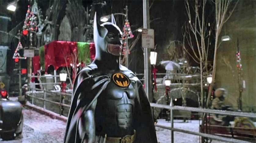 batman-returns-christmas-1545431139254.jpg