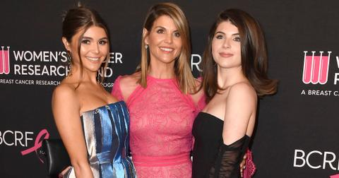 lori-loughlin-daughters-1559231983328.jpg