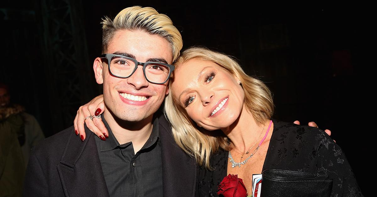 michael consuelos mom kelly ripa