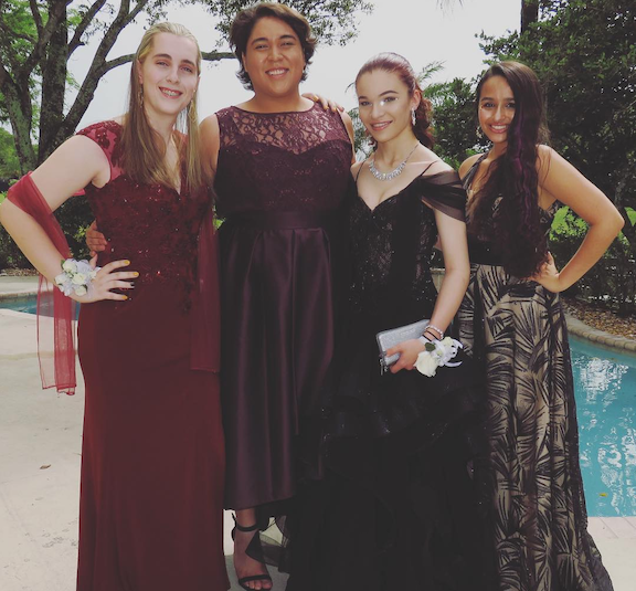 celebrity-prom-photos-jazz-jennings-1546448035834.png