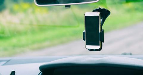 car-mount-phone-1577134255311.jpg