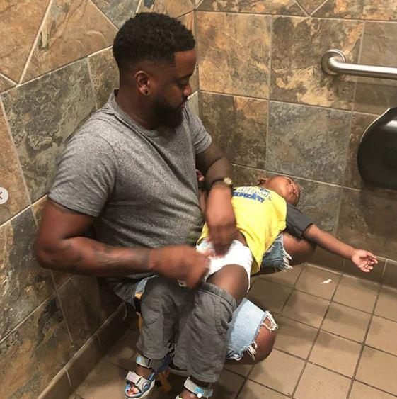 dad-baby-diaper-1-1547231235715.JPG