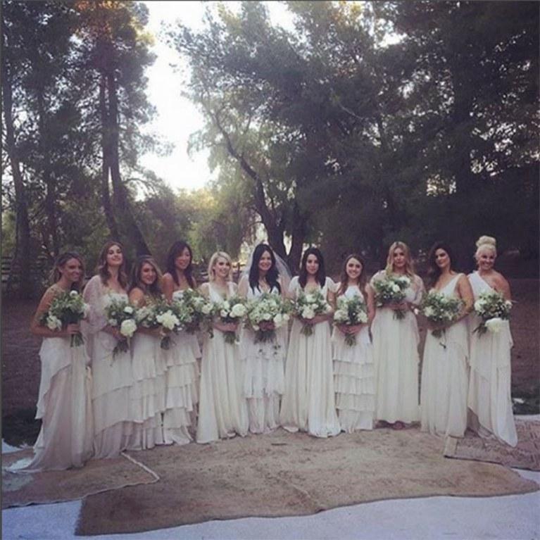 emma-roberts-bridesmaid-1545171072048.jpg