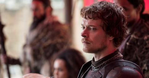 will-theon-greyjoy-redeem-himself-1553874111978.jpg