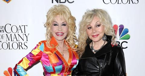 dolly-parton-siblings-1-1606258063308.jpg
