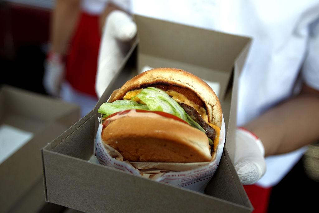 in-n-out-burger-burger-1545930911946.jpg