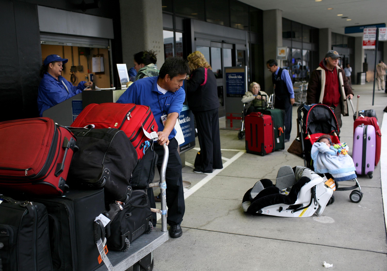 baggage-handler-1545933373457.jpg