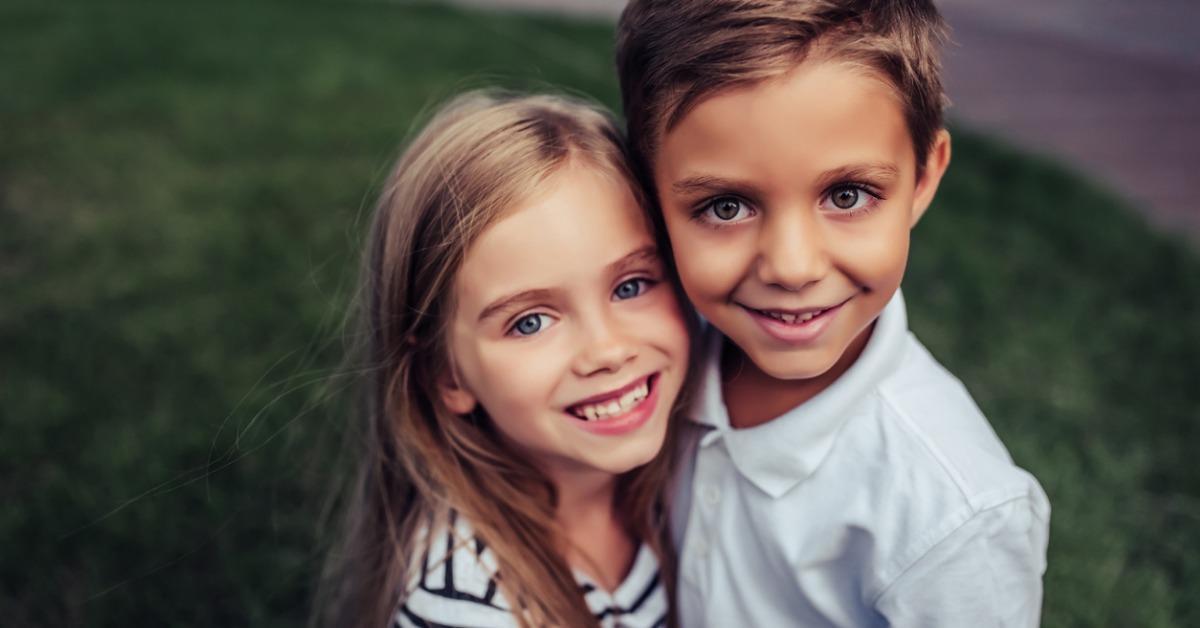 children-on-green-grass-picture-id905941412-1540496356437-1540496358587.jpg