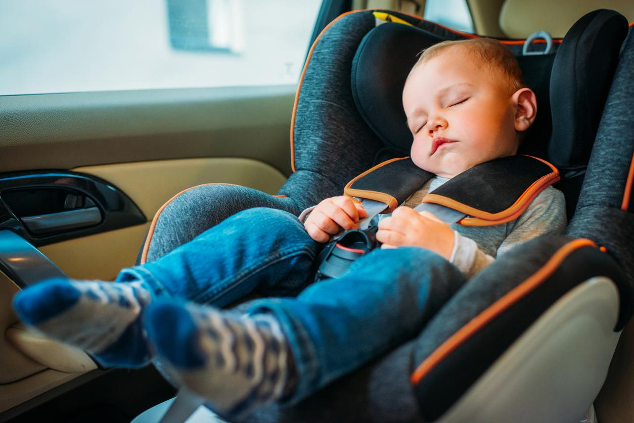 Woman Called the Cops When Mom Left Her Sleeping Kid in the Car for 5 Minutes