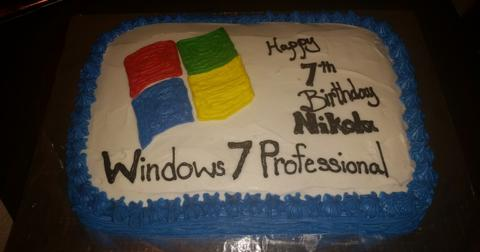 windows-themed-birthday-1559920768595.jpg