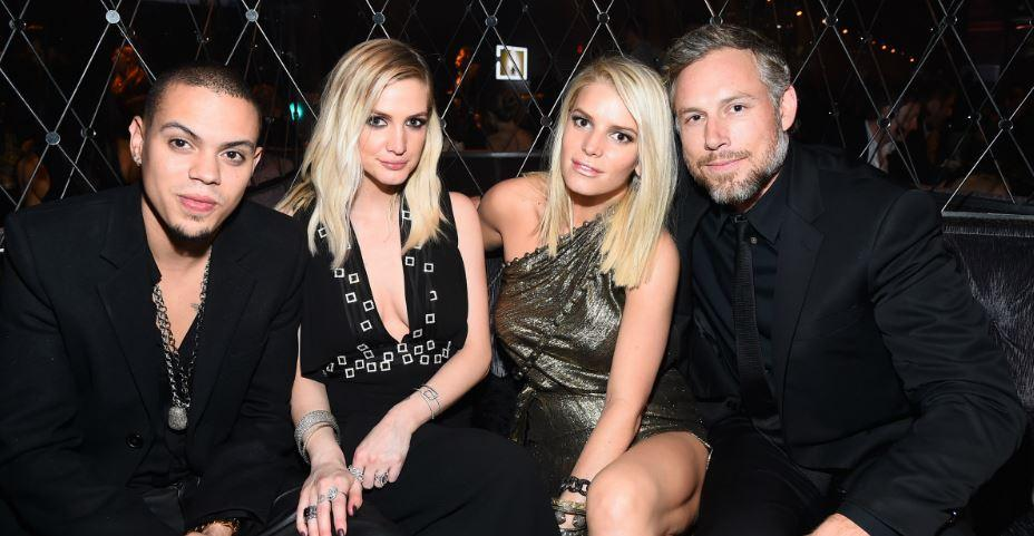 ashlee-simpson-evan-ross-jessica-simpson-1536165986136-1536165987798.JPG