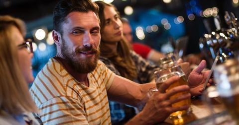 men-buying-women-drinks-1566324705217.jpg