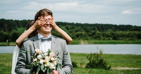 3-wedding-red-flag-happy-1556122259363.jpg
