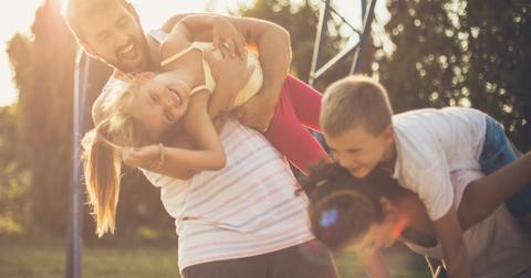 4-babysitter-1570204016541.jpg