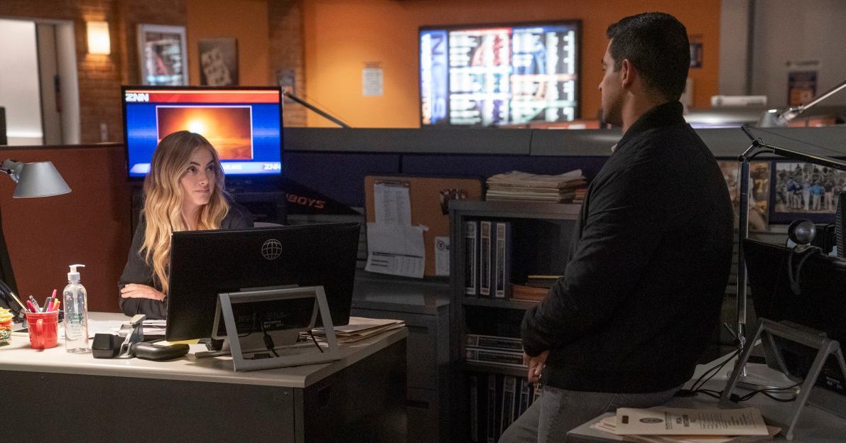 Bishop talking to Torres in 'NCIS'